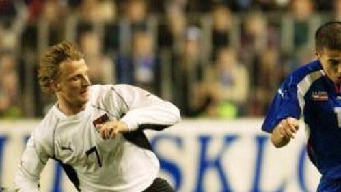 Reprezentační forvard Milan Baroš by se měl brzy opět objevit vdresu Liverpoolu.