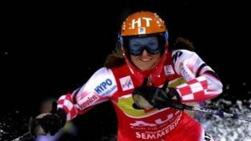 Chorvatka Janica Kosteličová vyhrála slalom v Semmeringu s více než sekundovým náskokem.
