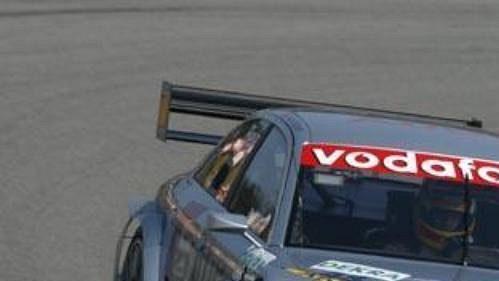 Frank Biela pilot týmu Infineon Team Joest svozem Audi A4 DTM při testování na Masarykově okruhu vBrně.