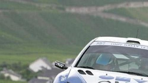 Štěpán Vojtěch a Michal Ernst sPeugeotem 206 WRC - archivní foto