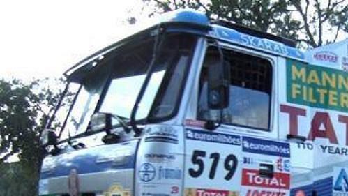 Tatra Tomáše Tomečka na trati 1. etapy 29. ročníku Rallye Dakar.