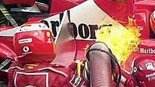 Dramatické okamžiky při tankování paliva v boxech jsou minulostí.