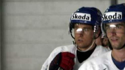 Radek Dvořák (vpravo) a Václav Prospal myslí na návrat do NHL.