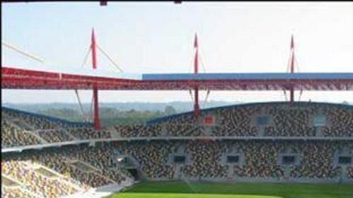 Ligové přenosy zfotbalových stadiónů zřejmě nabídne svým divákům Česká televize.