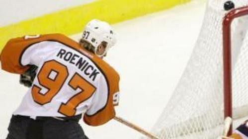 Garth Snow ještě během hráčské kariéry vdresu Islanders.