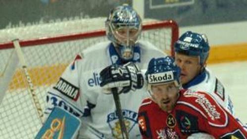 Čeští hokejisté se na MS 2006 utkají sFinskem dříve než bylo plánováno.