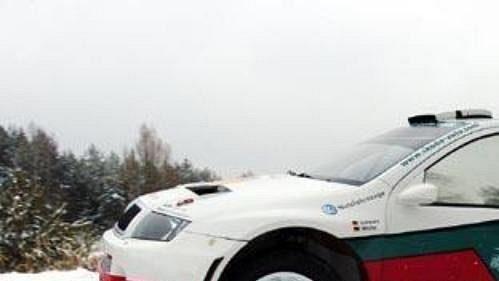 Škoda Fabia WRC 05 při testech v Bělé pod Bezdězem.