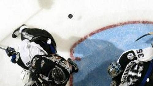 Přichází WHA... Má se NHL bát?