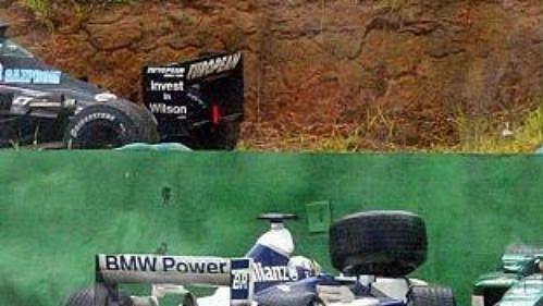 Letošní Velkou cenu Brazílie formule 1 dokončila jen desítka vozů.