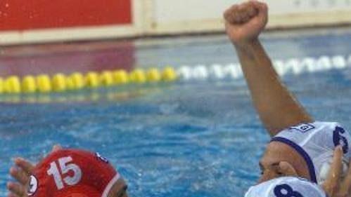 Reprezentanti Srbska a Černé Hory se radovali zvítězství nad Chorvaty ve finále ME vodního póla. Netušili, co se rozpoutá poté.