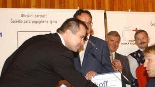 Díky daru od Advokátní kanceláře Becker a Poliakoff si Zdeněk Šebek v Madridu novým lukem vystřílel stříbro.