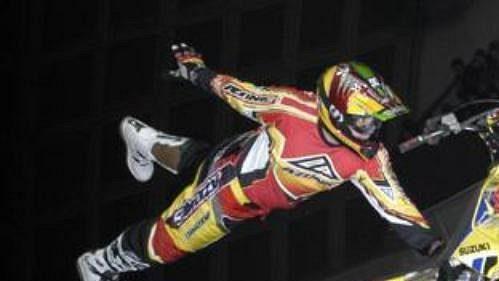 Vroce 2003 se vyznavači freestyle motokrosu sešli vT-Mobile Areně.