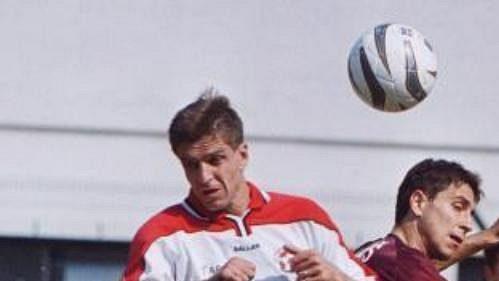 Josef Mucha ze Zlína (vlevo) a Martin Petráš zpražské Sparty vutkání první fotbalové ligy.