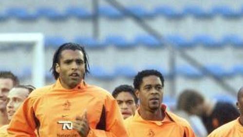 Nizozemští fotbalisté během včerejšího tréninku vPraze na Letné