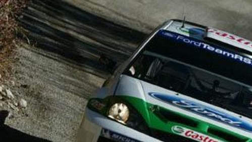 Toni Gardemeister s vozem Ford Focus WRC na trati Rallye Monte Carlo.