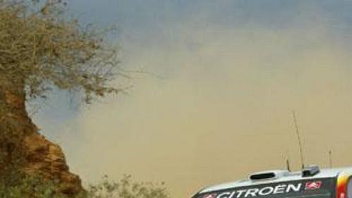 Sebastien Loeb scitroenem na trati Mexické rallye.