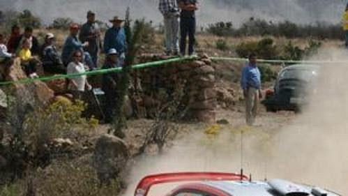Gilles Panizzi smitsubishi na trati Mexické rallye.