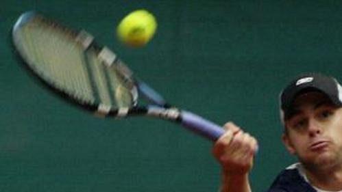 Američan Andy Roddick vítězstvím nad Karolem Beckem zajistil Spojeným státům místo ve Světové skupině Davis Cupu.