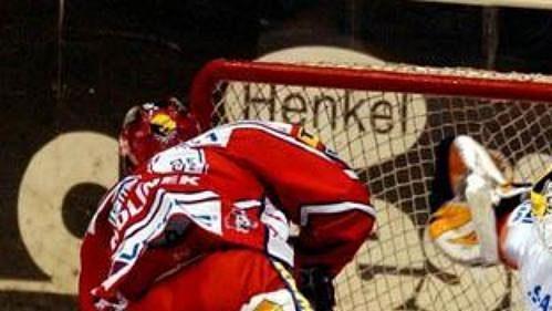 Zápas pardubických hokejistů ve Znojmě byl kvůli chřipkové epidemii odložen na 2. března.