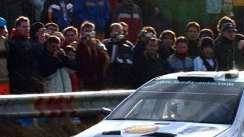 Jan Kopecký svozem Škoda Fabia WRC při první rychlostní zkoušce Katalánské rallye.