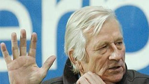 """""""Na Řepku sBergerem zapomeň,"""" říká možná trenér Karel Brückner (vlevo) svému asistentovi Miroslavu Beránkovi."""