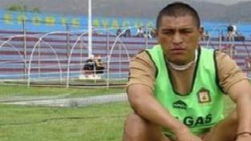 Peruánský fotbalista César Ccahuantico