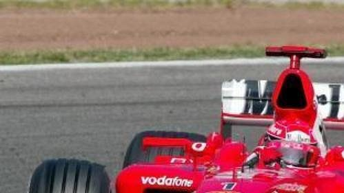 Michael Schumacher za volantem nového monopostu Ferrari při první kvalifikaci na GP Španělska.