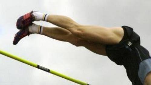 Tyčkař Adam Ptáček zvítězil na domácím šampionátu v Olomouci výkonem 560 centimetrů.