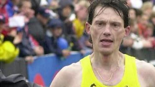 Nejrychlejší český běžec na maratonské trati Róbert Štefko doběhl třetí.