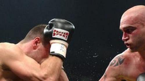 Boxer Rudolf Kraj (vpravo).