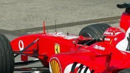 Poškozená pneumatika Michaela Schumachera pořádně rozladila.