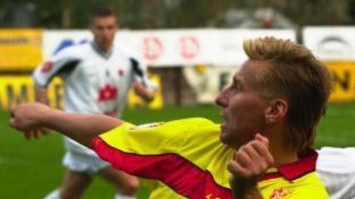 Horst Siegl (ve žlutém dresu) vPříbrami skončil.