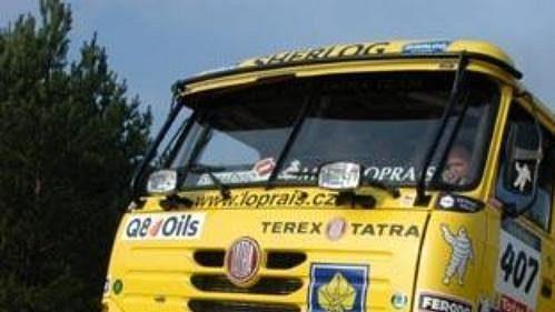 Lopraisovu Tatru pro Rallye Dakar prověřily písečné duny uslovenské Senice.