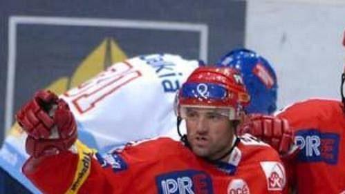 Opory hokejistů Slavie (zleva) Hruška, Beránek, a Kadlec.