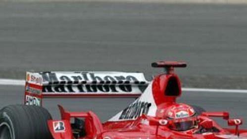 Michael Schumacher byl vprvní části kvalifikace nejrychlejší.