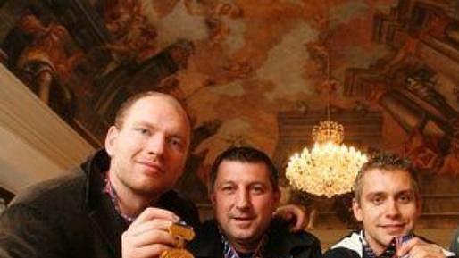 Zleva Jiří Novotný, Pavel Vlašic, Petr Gřegořek, a Filip Novák při návštěvě u primátora