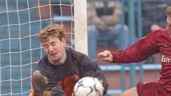 Brankář Jan Laštůvka má bohaté zkušenosti z první fotbalové ligy.