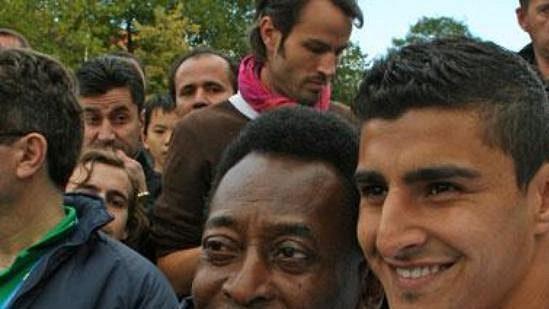 Slavný Brazilec Pelé se svým krajanem ve službách FC Kodaň Ailtonem.