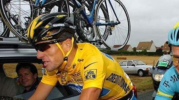 Američan Lance Armstrong v dobách největší slávy.