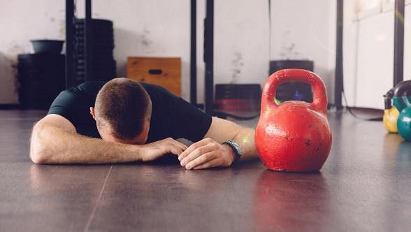 Pokles hladiny testosteronu má negativní dopad na psychickou a fyzickou kondici muže
