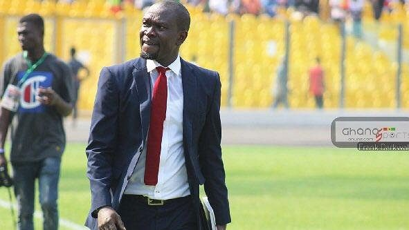 Charles Akonnor na lavičce Ghany končí