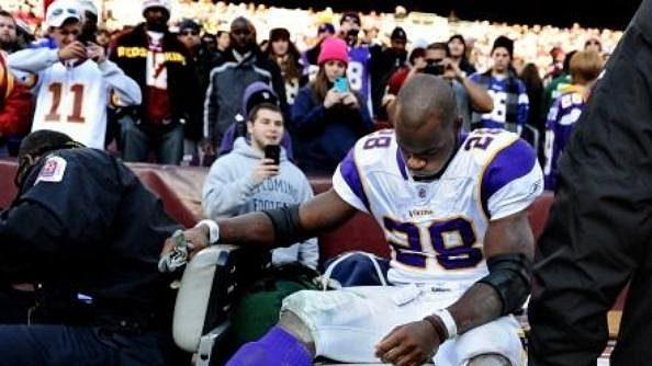 Peterson si zpřetrhal vazy v koleni