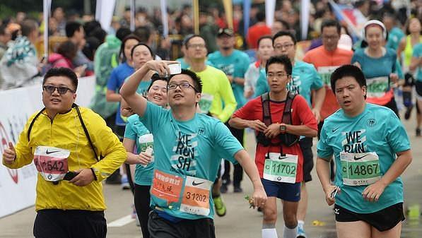 Běhání se stává v Číně stále více a více populární.