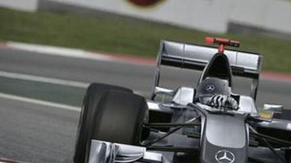 Takto může vypadat vůz stáje Mercedes GP podle počítačem upraveného snímku.