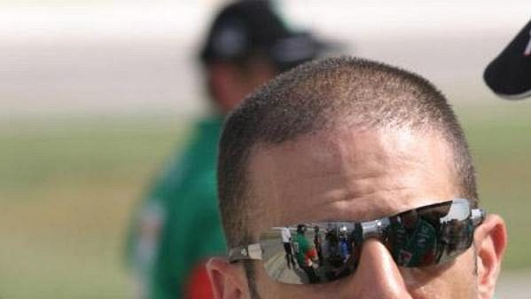 Závodník americké série IRL Tony Kannan