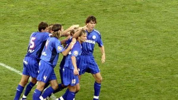 Fotbalisté Brna oslavují výhru.