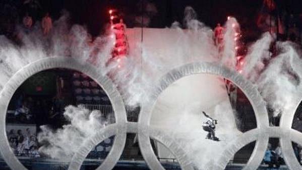 Snowboardista, po jehož příjezdu začal slavnostní ceremoniál.