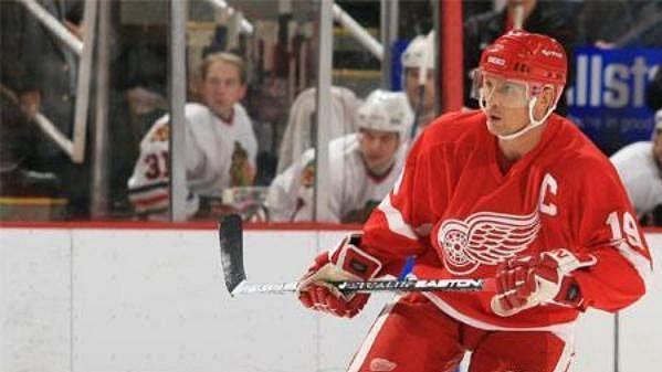 Bývalý kapitán hokejistů Detroitu Steve Yzerman