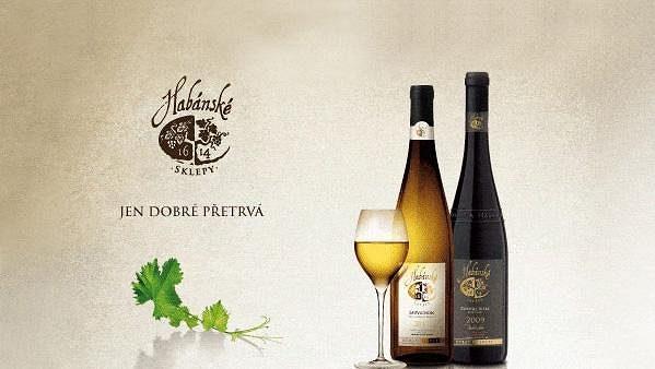 Habánské sklepy Sauvignon 2011 jakostní odrůdové víno a Habánské sklepy Zweigeltrebe 2009 pozdní sběr.
