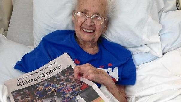 Američanka Mabel Ballová se dočkala triumfu týmu Chicago Cubs.